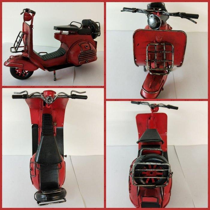 @3C 柑仔店@聖誕 交換 禮物 鐵製 復古偉士牌機車 紅 裝飾品 鐵皮 機車 摩托車 模型 家居飾品 懷舊 歐式