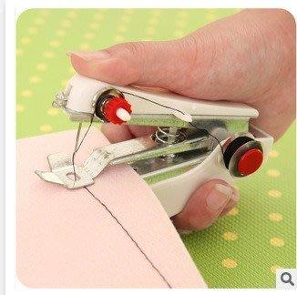 LoVus 家用便攜式小型秀珍迷你手動縫紉機 ( 雷 )