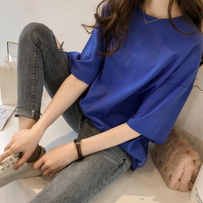 現貨☆紫米粒小舖☆【R933】圓領 韓版寬鬆素色五分袖上衣。