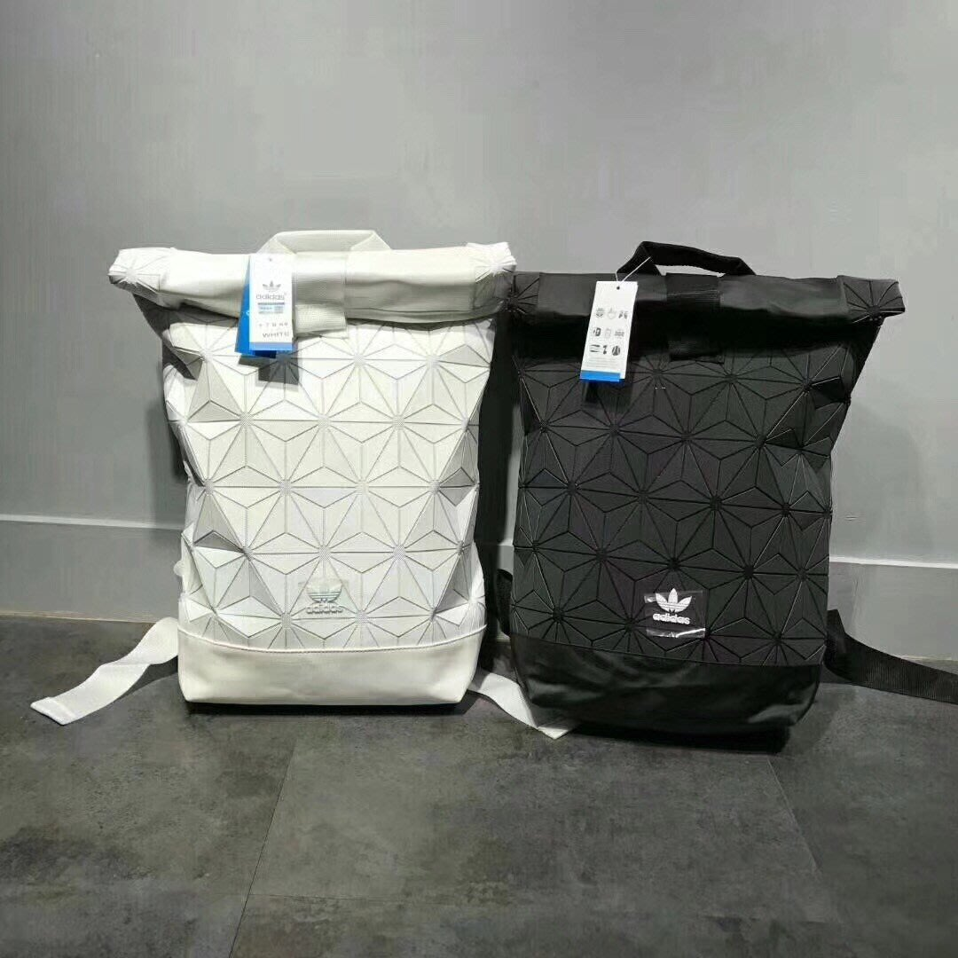 8c5837bd19c2 Adidas Originals Urban Backpack AY9354 三宅一生黑白後背包