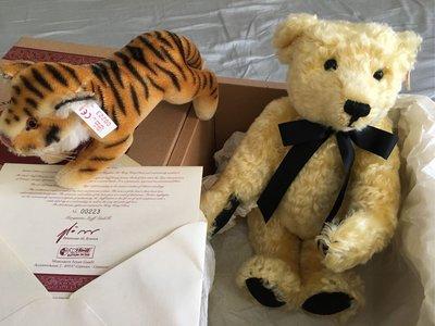 德國原裝Steiff 金耳釦小熊套組(含老虎)⋯⋯1998年香港/大陸熊+老虎,限量1500隻。低價出清