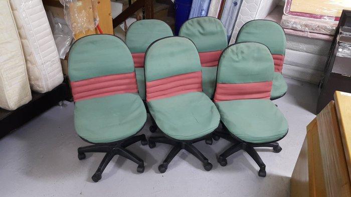樂居二手家具 全新中古傢俱賣場 CF0424AJJ 綠色布面辦公椅*OA椅 電腦椅 書桌椅 洽談椅 辦公OA家具專賣店