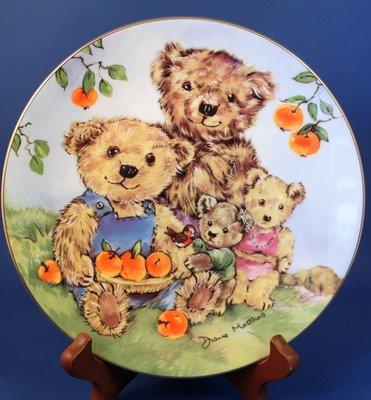 [美]英國名瓷Royal WORCESTER皇家伍斯特 1994年骨瓷泰迪熊限量裝飾盤FRUIT PICKING