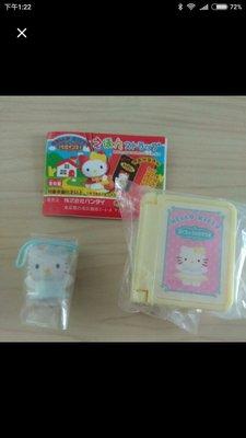Hello Kitty 書本 扭蛋 - swan lake 黃色