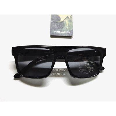 TOPMAN 太陽眼鏡黑色方形大框粗匡 英國品牌抗uv400 鏡片 附贈眼鏡袋 G062