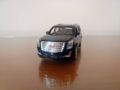 全新盒裝1:36~凱迪拉克2017 ESCALADE 黑色 合金汽車模型