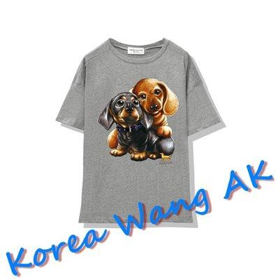 Korea Wang AK ~(預購)台灣原創獨家設計 美國100%純棉 限定版 麻吉臘腸狗寬T 三款【P042】