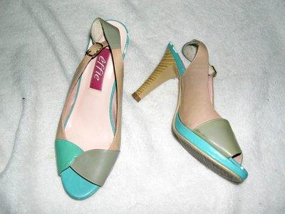 @╮全面淨空大特賣╭@五十一元亂亂標~~藍棕色時尚別緻高跟鞋