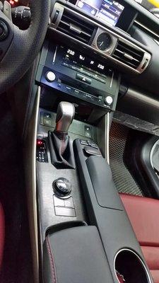 lexus IS300H 內裝貼膜 選用3M髮絲黑色施工 IS250 IS200T ES200 ES250 NX200T