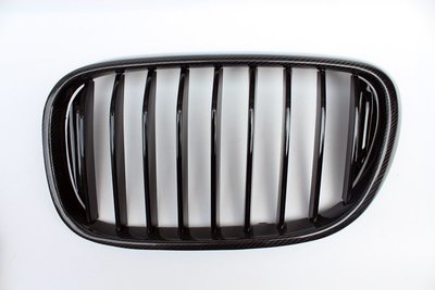 D18122804 寶馬 BMW G11 G12  15 16 17年 大7 雙線 碳纖維 卡夢 水箱罩 水箱護罩 鼻頭