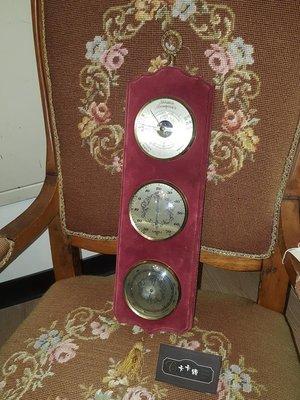 【卡卡頌 歐洲跳蚤市場/歐洲古董】歐洲老件_紅絨布 蕾絲 溫溼度氣壓計 雕刻 流蘇 壁掛 ss0332✬
