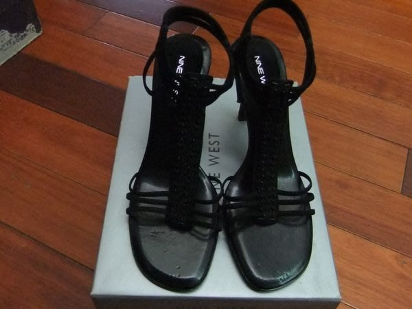 【100%真品】NINE WEST 性感丁字T字T型黑珠珠羅馬造型高跟鞋