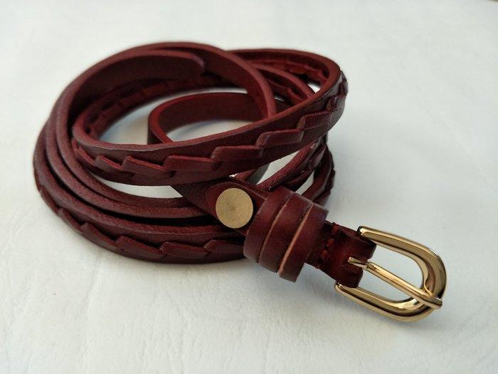 新品上市   歐款暗紅色精緻細版 真皮皮帶     只有一條喔!