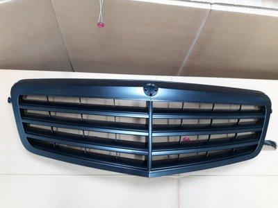 BENZ W212 '09~'13  原廠型水箱罩 消光黑 平光黑  全新品