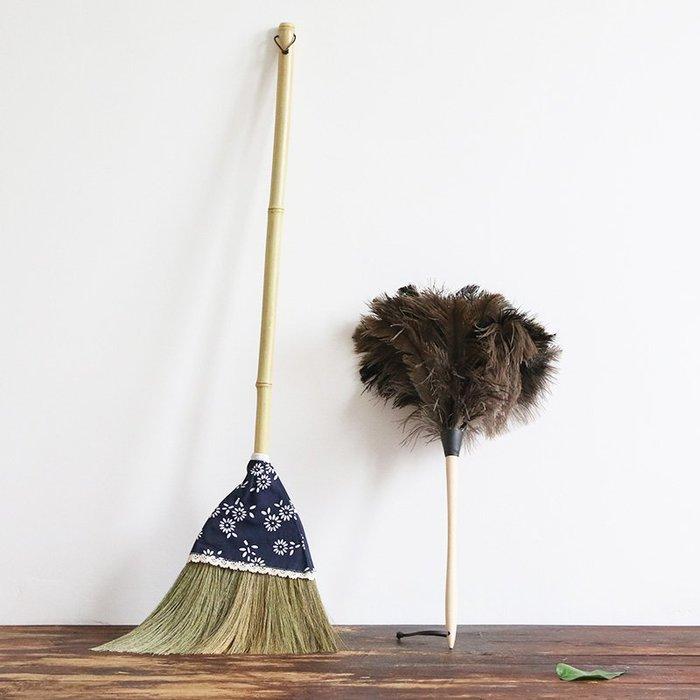 潮人街~竹掃把居家裝飾生活 現貨+預購 掃把掃帚 竹製品 客廳清潔用品 藝之初清潔套裝芒草掃把不粘毛發鴕鳥毛撣子家用不掉