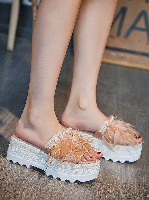『P.M♥SHOP』2020新款真皮時尚鴕鳥毛拖鞋女外穿厚底百搭串珠松糕白色一字涼拖潮