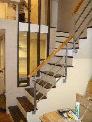 現代  扁鐵樓梯扶手