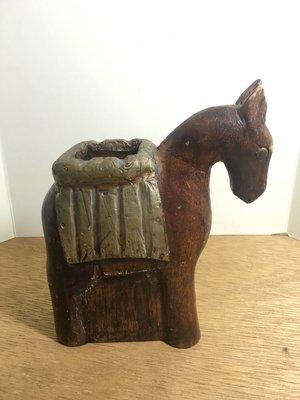 戰馬 / 筆筒/ 印度製造 / 馬鞍是銅片 / 有一耳有小傷 /