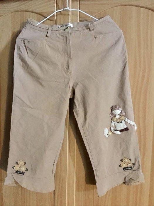 。☆二手☆。JuJu Family女童貼布娃娃七八分褲
