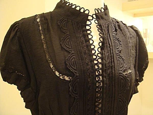破盤清倉大降價!全新美國名牌 BCBG MAXAZRIA 黑色蕾絲短袖襯衫狀小外套,情人節生日禮!低價起標無底價!免運費