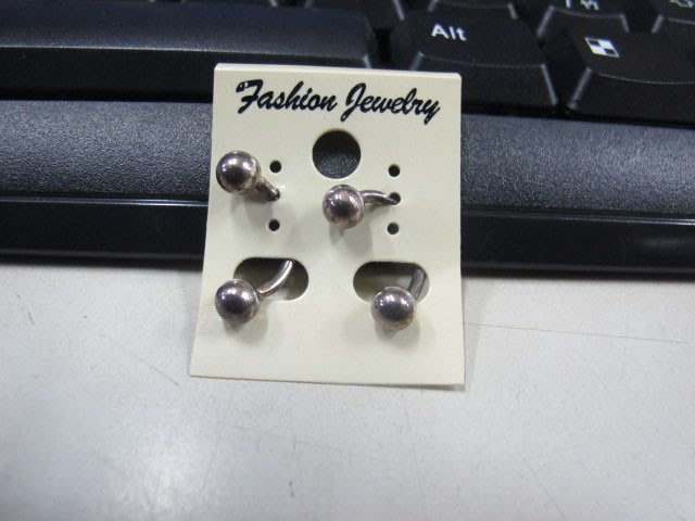 二手舖 NO.4554 時尚造型耳環 耳針 耳鉤 便宜賣 首飾飾品