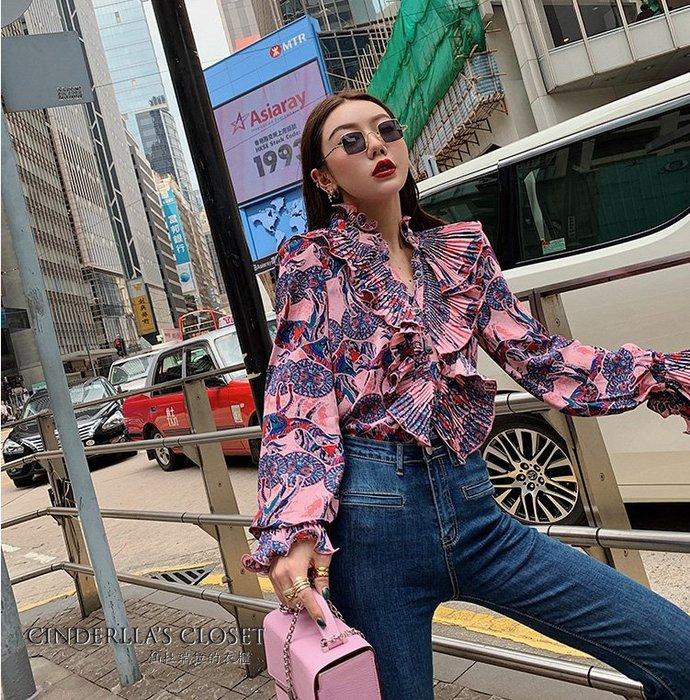 《仙杜瑞拉的衣櫃》s1010 復古時尚拉夫領 印花荷葉邊 雪紡長袖襯衫