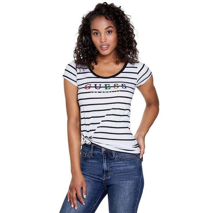 【GUESS】GUESS女款短袖T恤彩印GUESS黑條白 F03190430-24