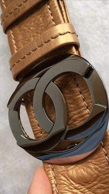 Chanel 貴氣金 雙C 大Logo 肩背/斜背/胸包 WOC (少用9成新) 超值低低價便宜出清
