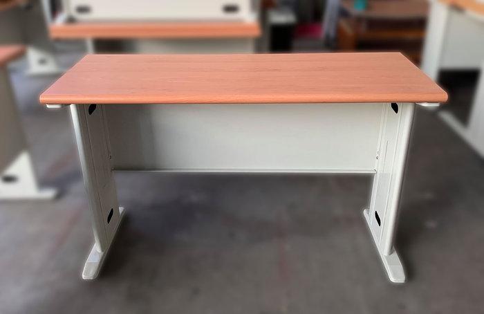 【宏品二手家具館】台中全新中古家具拍賣 C80502*木紋OA辦公桌*餐桌 辦公家具 櫥櫃 書桌 電腦桌 隔間屏風 新竹