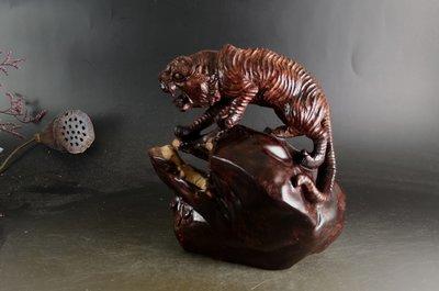 印度小葉紫檀「一路爆發亅隨型全手工鏤空雕刻,高油性 瘤花 金星  E110