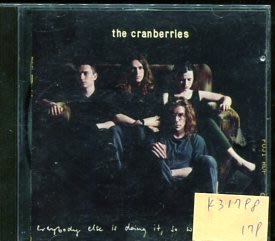 *真音樂* THE CRANBEERIES / EVERYBODY ELSE IS DOING IT 二手 K31798