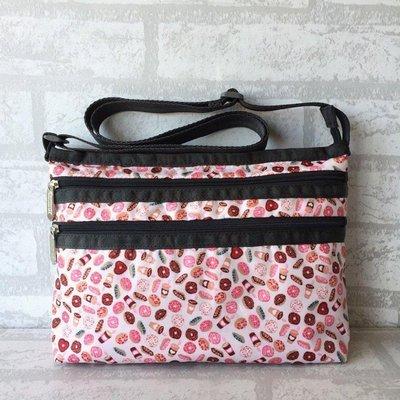 凱莉代購 Lesportsac 粉色甜甜圈 3352 單肩三層拉鍊 斜背包休閒降落傘防水 輕便 出遊 預購