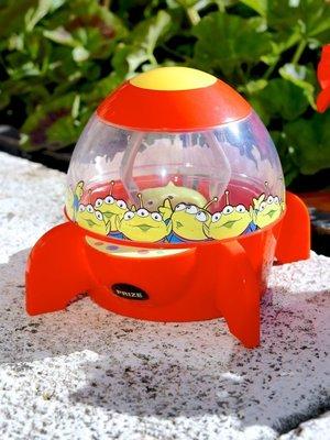 Ariels Wish-日本東京Disney迪士尼限定玩具總動員巴斯光年火箭筒夾娃娃機三眼怪麻薯點心收納盒收藏桶-絕版