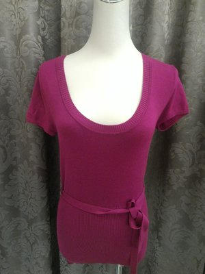 全新 英國 Primark 副牌 Atmosphere 桃紅色短袖針織衫 大圓領口 有彈性 有腰帶