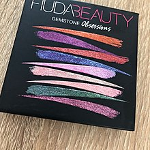 Huda beauty gemstone obsessions eyeshadow