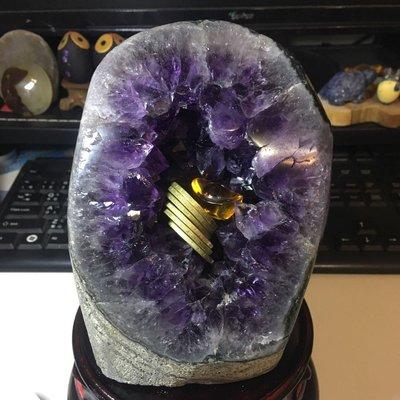 好犀晶-2.29公斤 烏拉圭紫水晶鎮 甕型 碗形 內凹 迷你晶洞 小水晶洞 大角紫 附大圓木底座