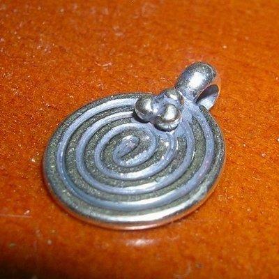 琥珀貓~【925純銀材料配件】墜飾~N8679~線條圓牌~一個