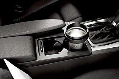 【B&M 原廠精品】Mercedes Benz 原廠 置杯架 C E CLASS W204 S204  W212 現貨