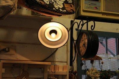 zakka糖果臘腸鄉村雜貨坊    雜貨類.懷舊照明燈.夜燈氣氛燈開店照明.陽台燈(櫥窗玄關保溫箱投射燈氣泡燈會場佈置)