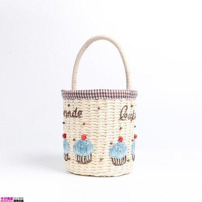 Linda私家衣櫥* 滿2500免郵* 2018春夏新款新款日系草編包沙灘包女編織旅遊度假少女手提小水桶包