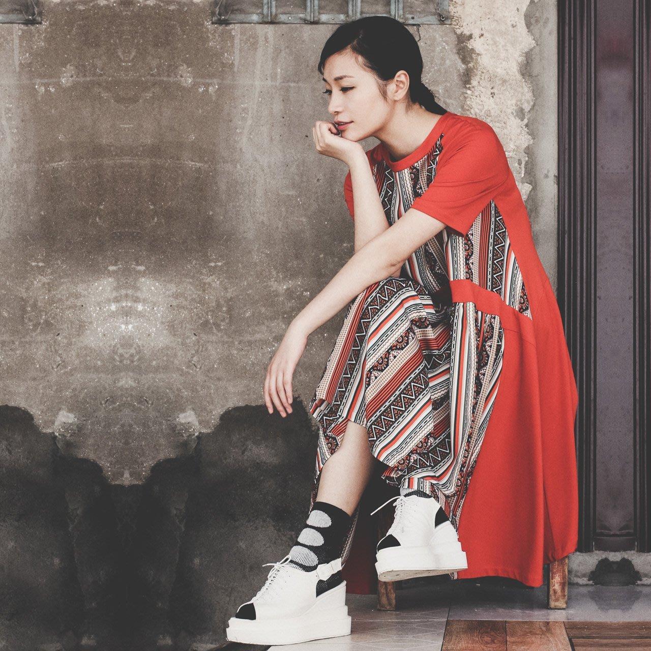 SMACHIC studio 獨立設計師品牌 / 嬉皮趣味。寬擺 oversized 印花拼接T恤娃娃洋裝