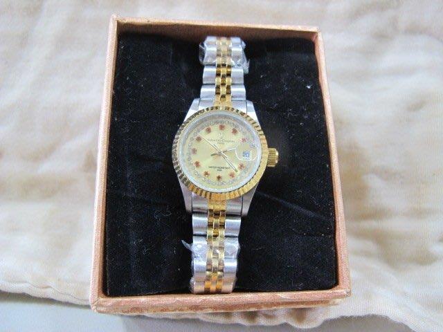 二手舖 NO.740 Valentino Coupeau 范倫鐵諾 金色紅寶石晶鑽框 時尚女錶