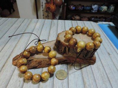 天然楠木12顆佛珠手鍊 佛頭主珠 水波紋黃金楠木手串手環 天然紋路對眼 絲木晶亮 留線可加長 收藏敬佛極品 2串一起