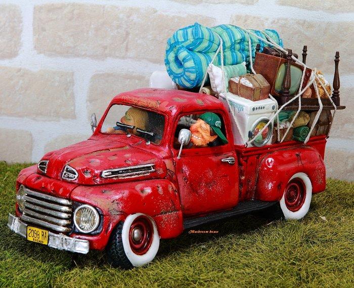 點點蘑菇屋 歐洲進口 精緻法國社會寫實派設計師FORCHINO系列擺飾-夫妻搬家 卡車 搬家公司