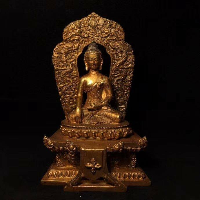 一0425  C純銅鎏金【釋迦牟尼】佛像 尺寸: 長12, 寬9, 高8.5公分重900克