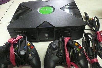 黑色小館(旗12)~~~Xbox 主機+2隻遙控器