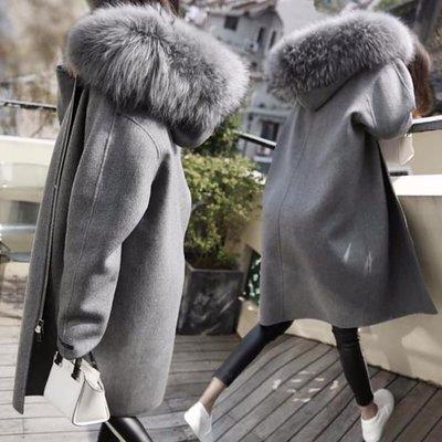 貓姐的團購中心~有大尺碼(110公斤可穿)~B0341 大毛領連帽繭型外套(毛領可拆)L-5XL一件850元~預購款