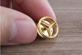 Mercedes-Benz賓士三芒星金色徽章胸針