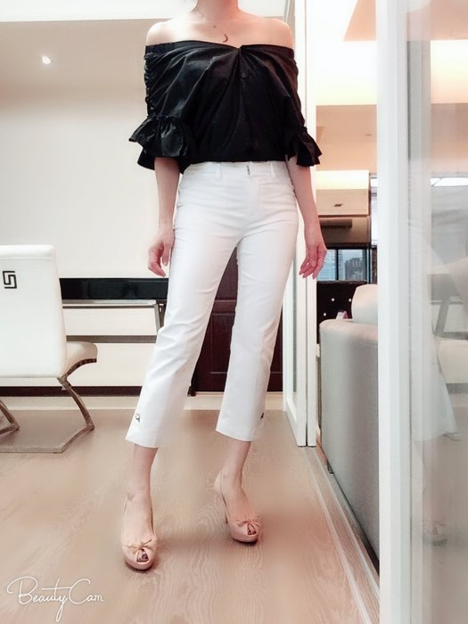 *Beauty*日本白色七分褲 ITA38號日本9號900元PH