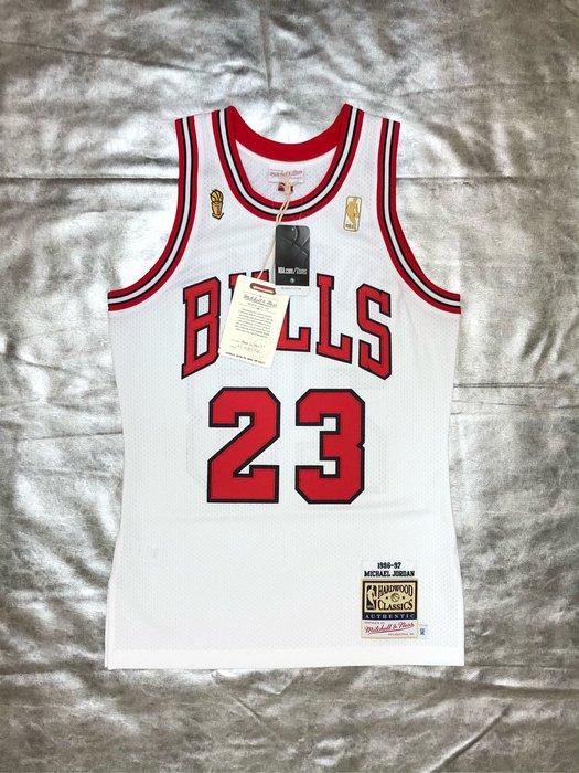 賣個JORDAN NBA Michael Jordan 公牛隊主場白 96-97賽季 冠軍杯M&N AU球員版球衣